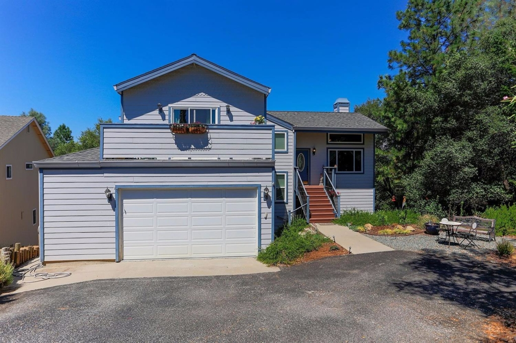 11594 Madrone Ct picture