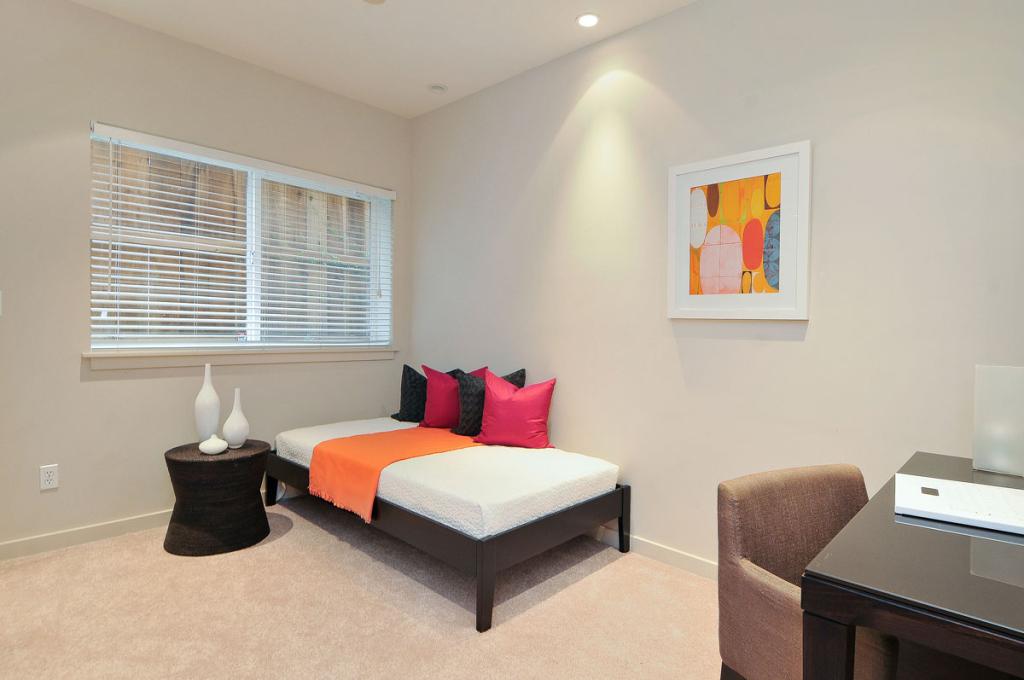 4516 Montgomery St - Bedroom picture