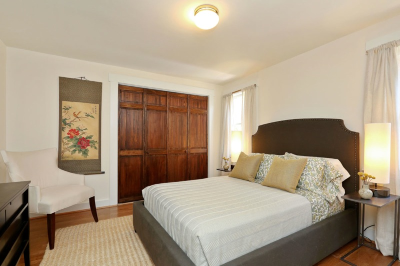 477 59th - Middle bedroom picture