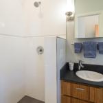 5855 Vallejo Upper Bath Shower picture