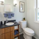 5855 Vallejo Upper Bath picture
