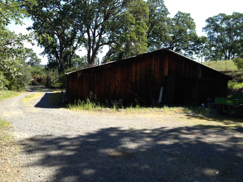 6125 Pope Valley Rd - barn picture