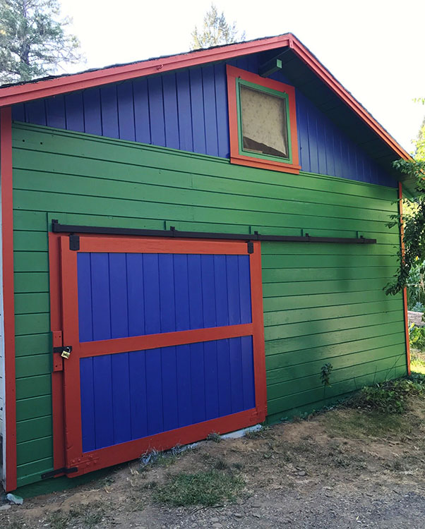 New paint for the barn!